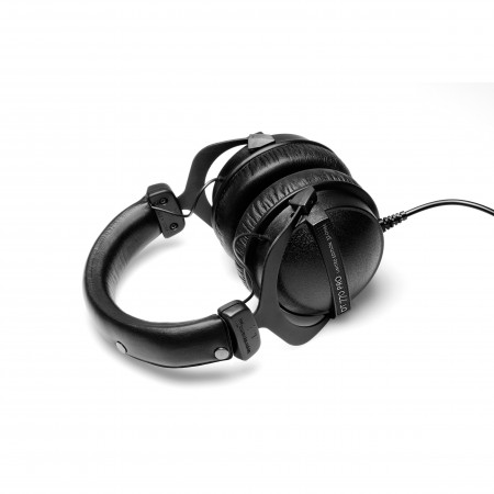 Beyerdynamic DT 770 PRO  32 Ohm Closed Studio Headphones